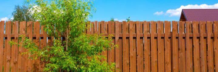 プライベートを守るオシャレな生活に欠かせない目隠しフェンス
