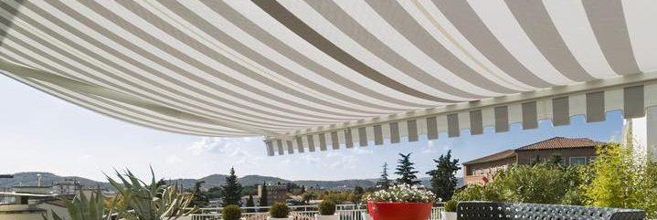 機能的なテラス屋根の選び方とオシャレなテラス屋根のご紹介