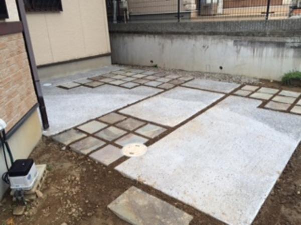 茨城県取手市 U様邸 ジャワ鉄平と洗い出しのコラボ