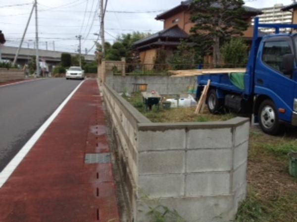 茨城県守谷市のT様邸 (8段あった壁を低くして視界すっきり)