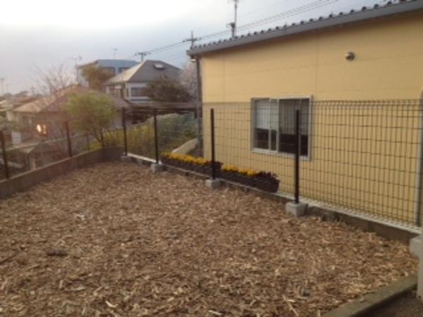 茨城県牛久市のT様邸 フェンス・土間打ち・駐車場のサムネイル