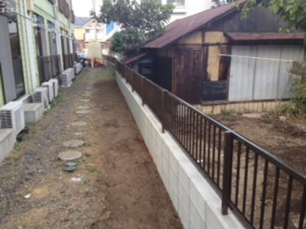 茨城県龍ヶ崎市のM様邸 傾いたブロックの復旧工事