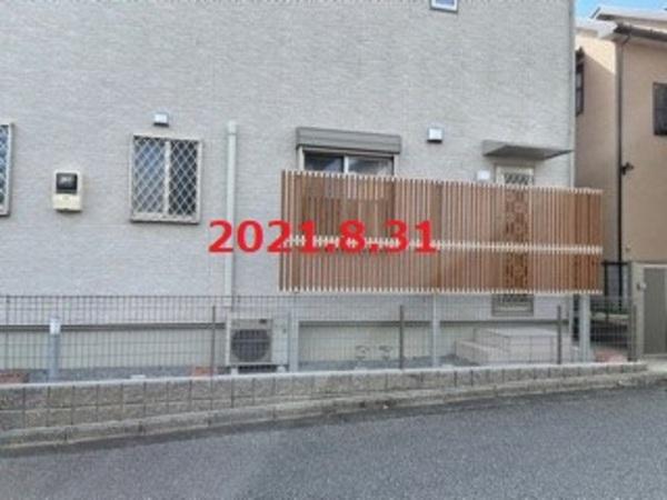 茨城県龍ヶ崎市 T様邸 多段柱フェンス施工!のサムネイル